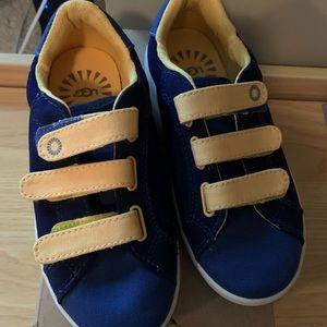 NWT Ugg boys sneakers